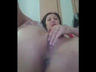 Vietnamese MILF rubs be expeditious for Old man